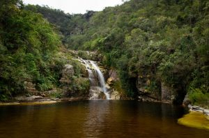 cachoeira dos macacos parque nacional do ibitipoca viagem de moto por minas